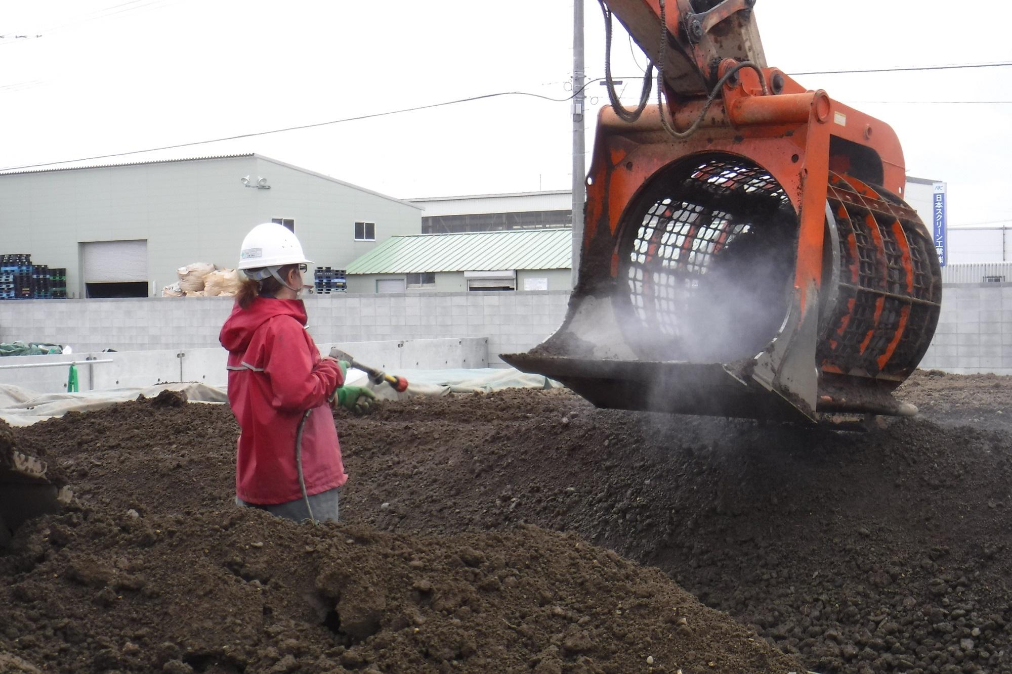 油含有土壌浄化作業