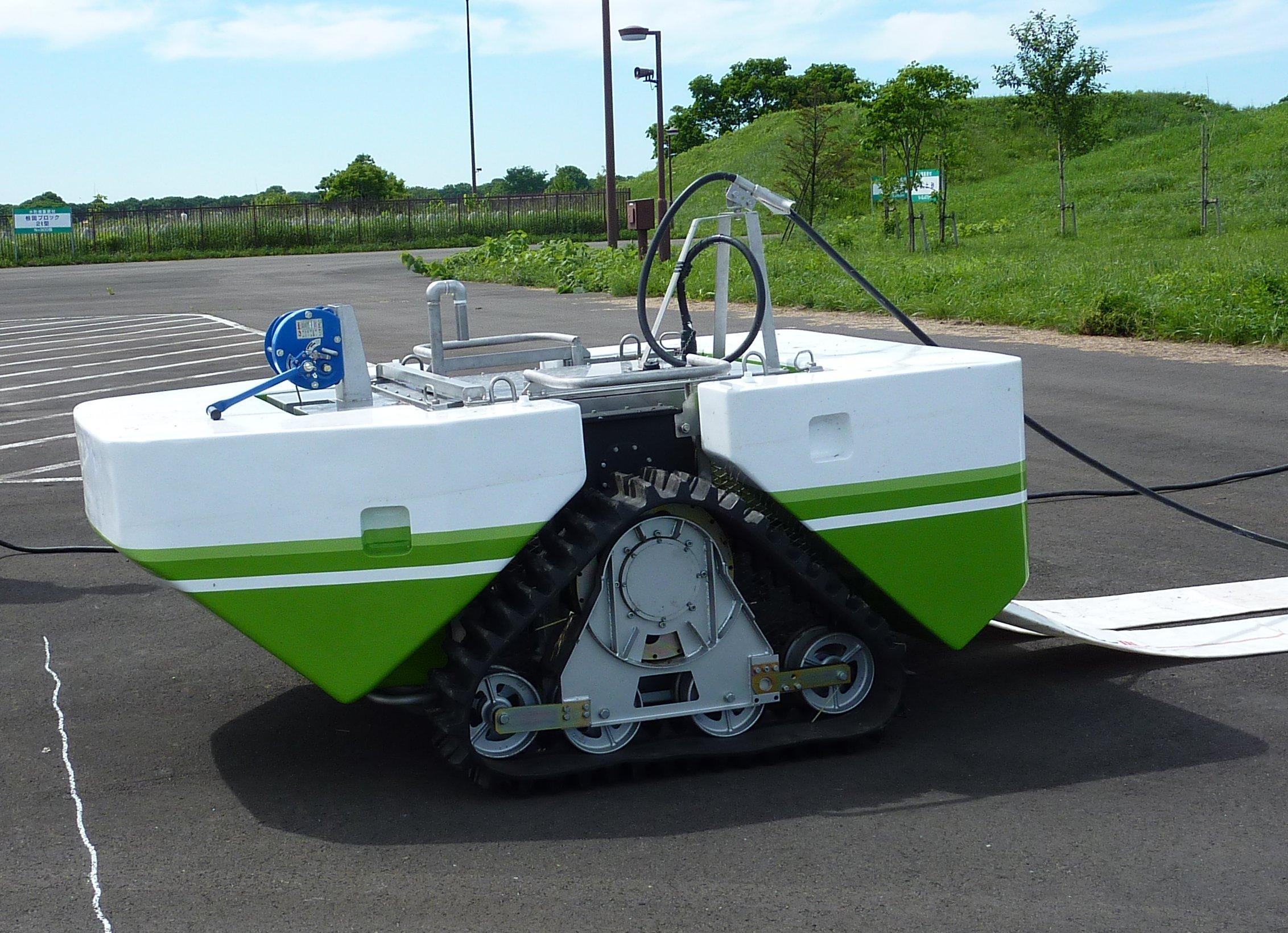 「排水ポンプ設置支援装置(自走型)」
